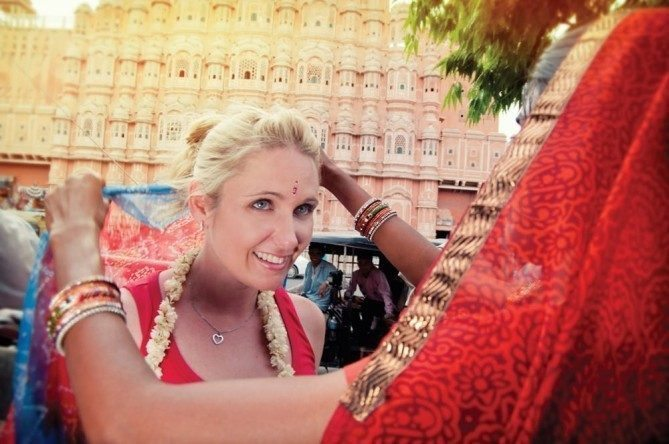 Explore India & Nepal Top 4 Tour Groups for Solo Women Travelers