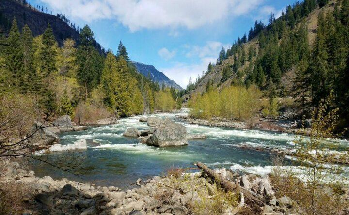 Hiking, Wenatchee River, Tumwater Canyon