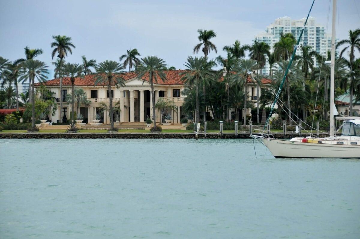 Miami boat tour, south beach, wynwood wall, miami beach, south beach