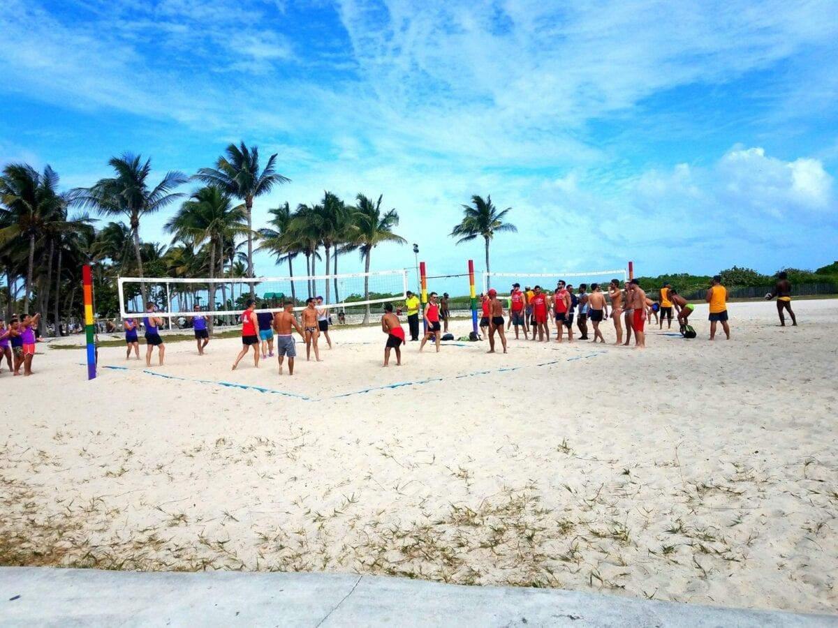 south beach people watch, south beach, wynwood wall, miami beach, south beach